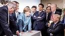 """""""Trump proti světu,"""" komentují mnozí tuto fotografii ze summitu G7."""