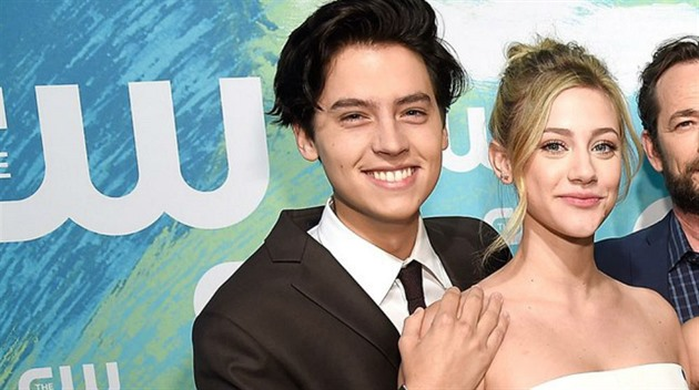 Lili Reihnart a Cole Sprouse