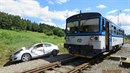 Důchodce za volantem přehlédl na Jesenicku červená světla před železničním...