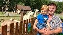 Pavel se synem Maxmiliánem.