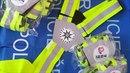 Při akcích na Bruntálsku policisté vzorným motorkářům předali své dárky.