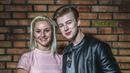 Adam Mišík a Kateřina Krakowková vypadají jako z Pomády. Zaújmou tím někoho?