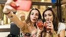 Konec hloupých selfie s brčkovými drinky!