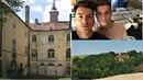 Matěj Stropnický s přítelem  se stěhují na venkov. Budou žít na zámku?