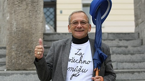 Senátor a primátor Teplic Jaroslav Kubera má velký smysl pro humor.