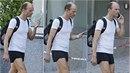 dalibor Gondík předvedl po tréninku StarDance svalnaté nohy.