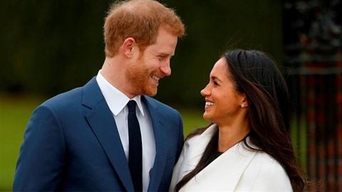 Její královská výsost vévodkyně a vévoda ze Sussexu s radostí oznamují, že...