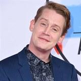 Macaulay Culkin na udělování cen American Music Awards. Na svůj věk nevypadá.