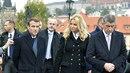 Francouzský prezident Emmanuel Macron (vlevo) a český premiér Andrej Babiš s...