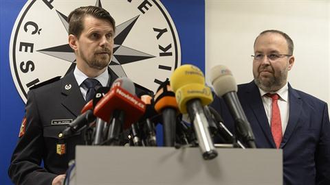 Tisková konference PČR a státního zastupitelství.
