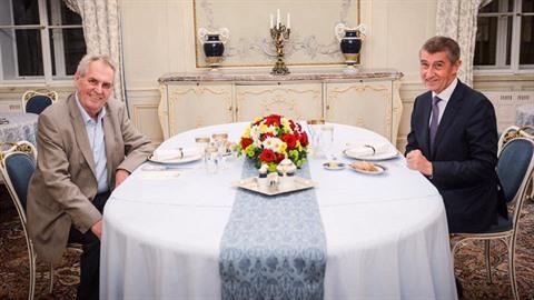 Prezident pozval na zámek v Lánech premiéra Babiše kvůli kauze spojené s jeho...