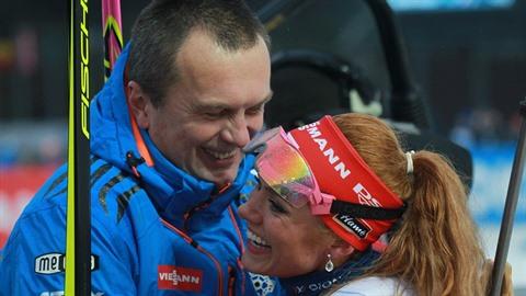 Gabriela Koukalová se šéfem biatlonu Jiřím Hamzou. Ten by ji uvítal zpět s...