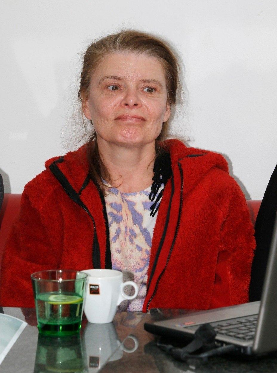 Watch Zuzana Bydzovska video