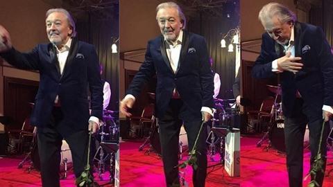 Karel Gott uhranul na plese na Žofíně svým vystoupením.