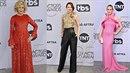 Hvězdy na udílení cen SAG: Nádherná Jane Fonda, kalhoty Emmy Stone a vagína v...