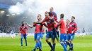 Plzeň porazila ve šlágru fotbalové ligy Slavii 2:0 a v boji o titul na ni...