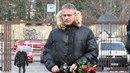 S Václavem Vorlíčkem se přišel rozloučit i režisér Filip Renč.
