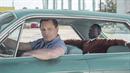Tony Lip (Viggo Mortensen) dělá řidiče a bodyguarda slavnému pianistovi Donu...