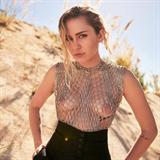 Miley Cyrus opět řádí.