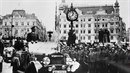 Adolf Hitler přijel do Prahy, kterou už v tu chvíli obsadila jeho armáda....