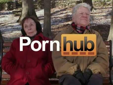 skříň gay porno