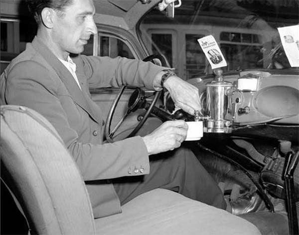 chytil dávat kouření v autě