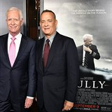 Tom Hanks a Chesley Sullenberger na premiéře filmu Sully.