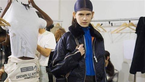 Co na tom, že má Elen Šrámková trochu odstáté uši?  Svět modelingu ji miluje i...