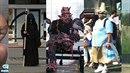 Fotospeciál: Bizarní lidi, které potkáte na zastávkách MHD