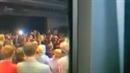 Karel Schwarzenberg zpívá českou hymnu Samotářům