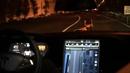 Tesla má superauto, které jezdí samo. Budoucnost!