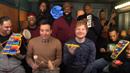 Ed Sheeran zpívá song Shape of You s pomocí nástrojů pro děti