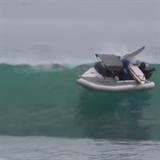 Letní výjezdy na lodi? Proč ne, ale bacha na vlny!