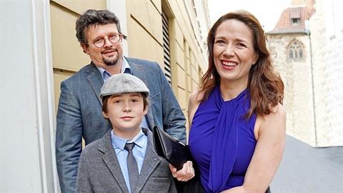 Tereza si užívá chvíle pohody se synkem Toníkem a druhým manželem.