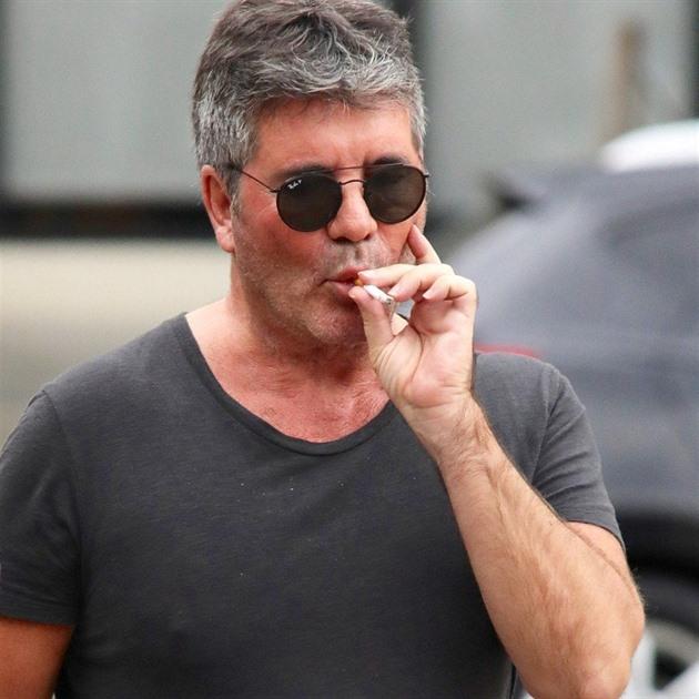 Přítelkyně dávat kouření