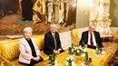 Prezident Miloš Zeman spolu s americkým velvyslancem Stephenem B. Kingem, který...