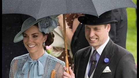 Kate Middleton s princem Williamem jsou i po takové době nejhezčím párem...