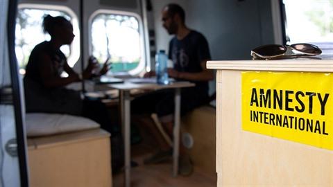 Amnesty International řeší skandál obřích rozměrů. V české pobočce je ale podle...