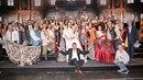 Kompletní umělecký tým muzikálu Popelka, většina z nich stále čeká na svoje...