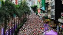 V Hongkongu vyšli lidé do ulic. Nelíbí se jim návrh zákona, který by umožnil...