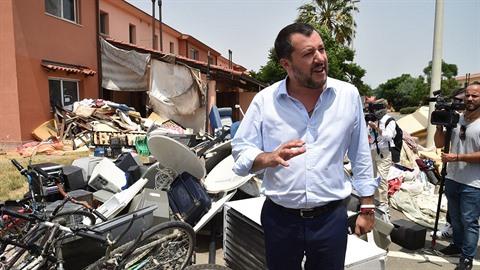 Italský ministr vnitra Matteo Salvini je velkým odpůrcem benevolentního...