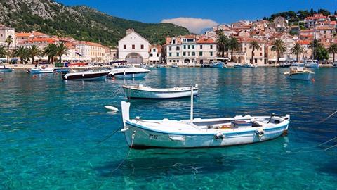 Čeští turisté chorvatské pobřeží milují a jsou připraveni za něj položit svůj...