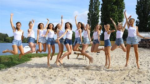 Finalistky České Miss a Miss Universe Slovenskej republiky 2019 ve Žlutých...
