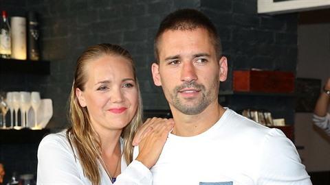 Stále je vdaná za Tomáše Plekance, se kterým má dva syny.