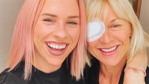Mariana Prachařová zveřejnila snímek své maminky po operaci oka.