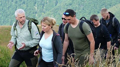 Slovenská prezidentka Zuzana Čaputová při výstupu na Chleb, nejvyšší horu...