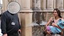 Žena kojila v Katedrále svatého Víta.