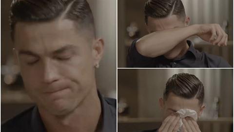 Ronaldo se rozbrečel, když viděl video svého otce.