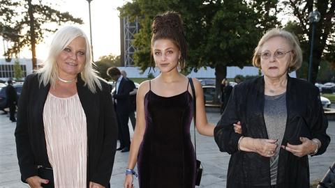 Markéta Mayerová se objevila na premiéře muzikálu Čarodějka.