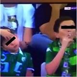 Tenhle kluk si ten fotbal přišel užít.